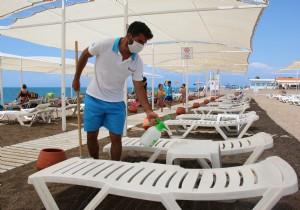 Tedbirli Deniz Keyfi Ekdağ Lara Plajı'nda Başladı